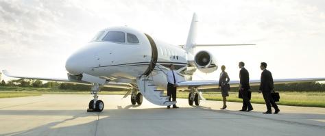 business-people-boarding